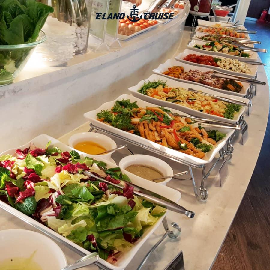 Han River Cruise + Dinner Buffet - Image credit: Eland Cruise on Facebook