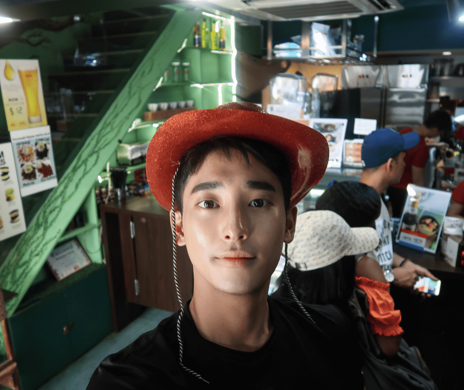Just sharing a photo from  @yyunwoo , one of our favorite Korean Instagram models whom you may want to follow! Here he's seen at the Selfie Coffee in Singapore (싱가포르)! Image credit:  @yyunwoo  on Instagram
