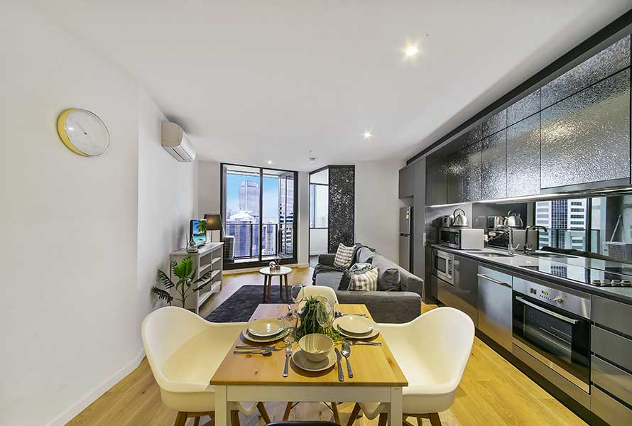 A Cozy 2BR Apt with a Spectacular View of the City -