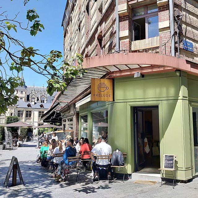 Déjeuner en terrasse ☀️ #coffeeshop #coffee #rouen #cafe #coffeebreak #coffeeshopsoftheworld #coffeevibes #coffeecorner #terrasse #chill #specialtycoffee #summer #summervibes #sun