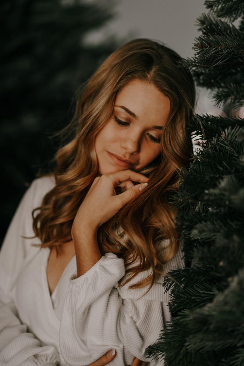 Christmas tree photoshoot-fort myers photographer-Rocky-196.jpg