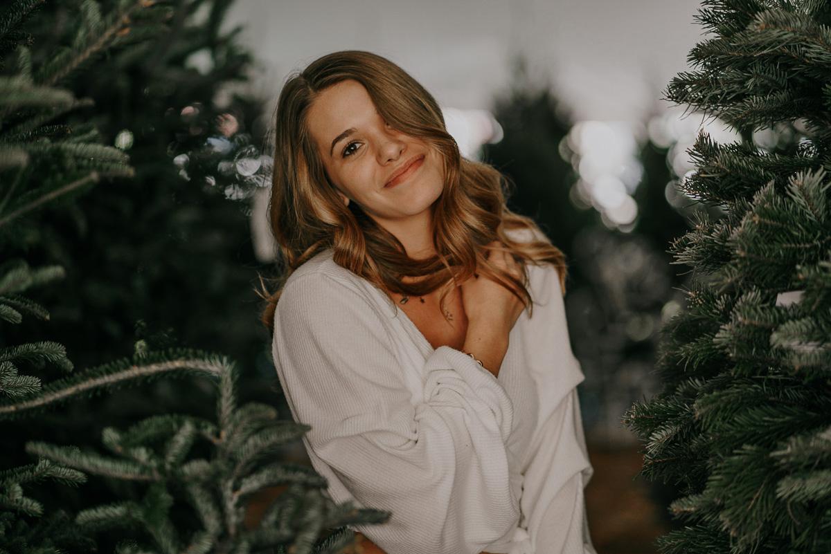 Christmas tree photoshoot-fort myers photographer-Rocky-250.jpg