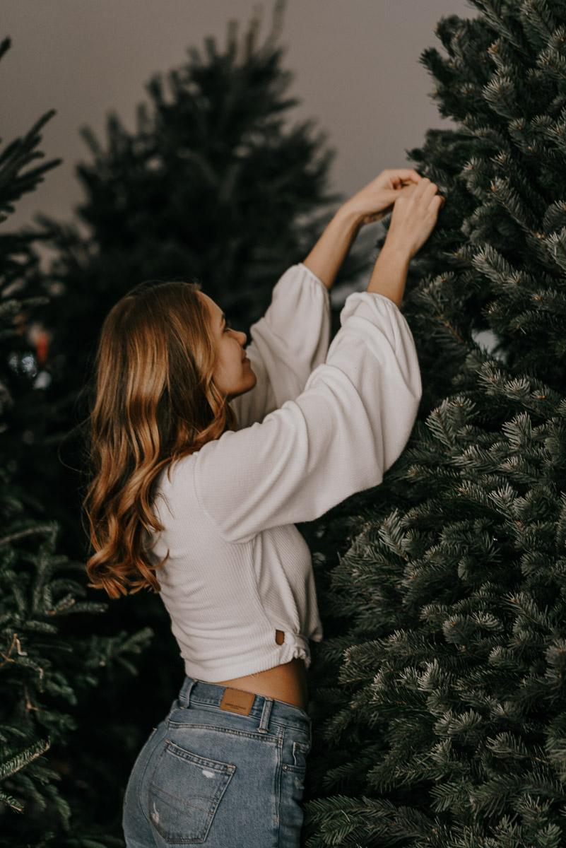 Christmas tree photoshoot-fort myers photographer-Rocky-536.jpg