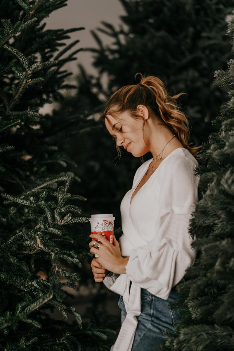 Christmas tree photoshoot-fort myers photographer-Rocky-560.jpg