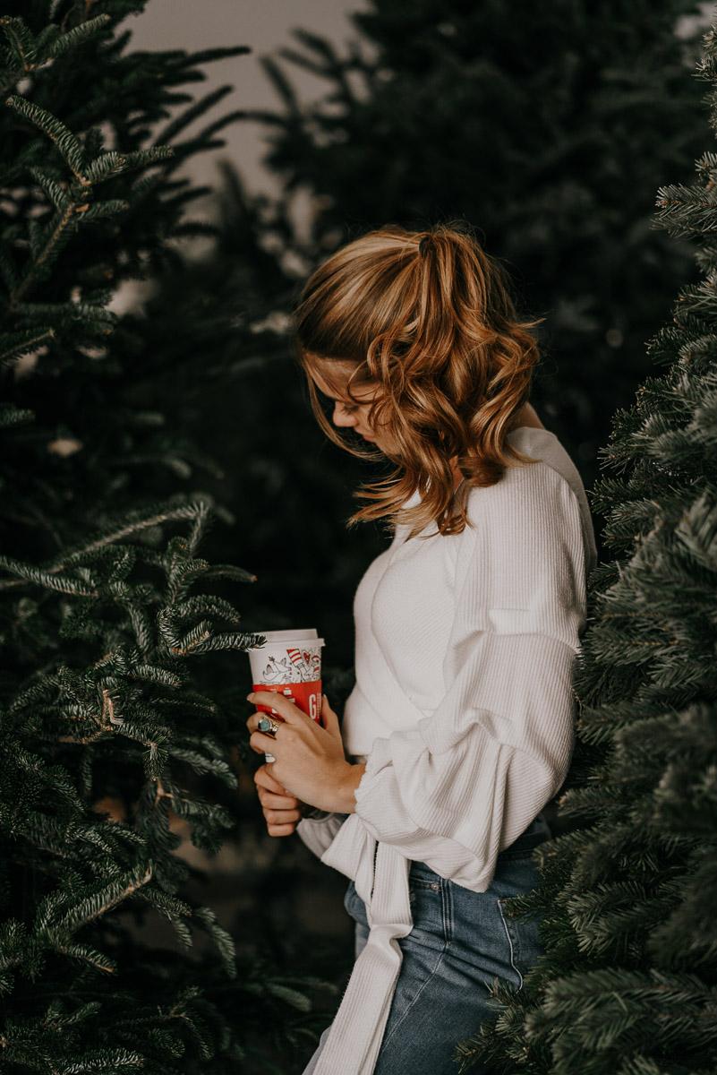 Christmas tree photoshoot-fort myers photographer-Rocky-563.jpg
