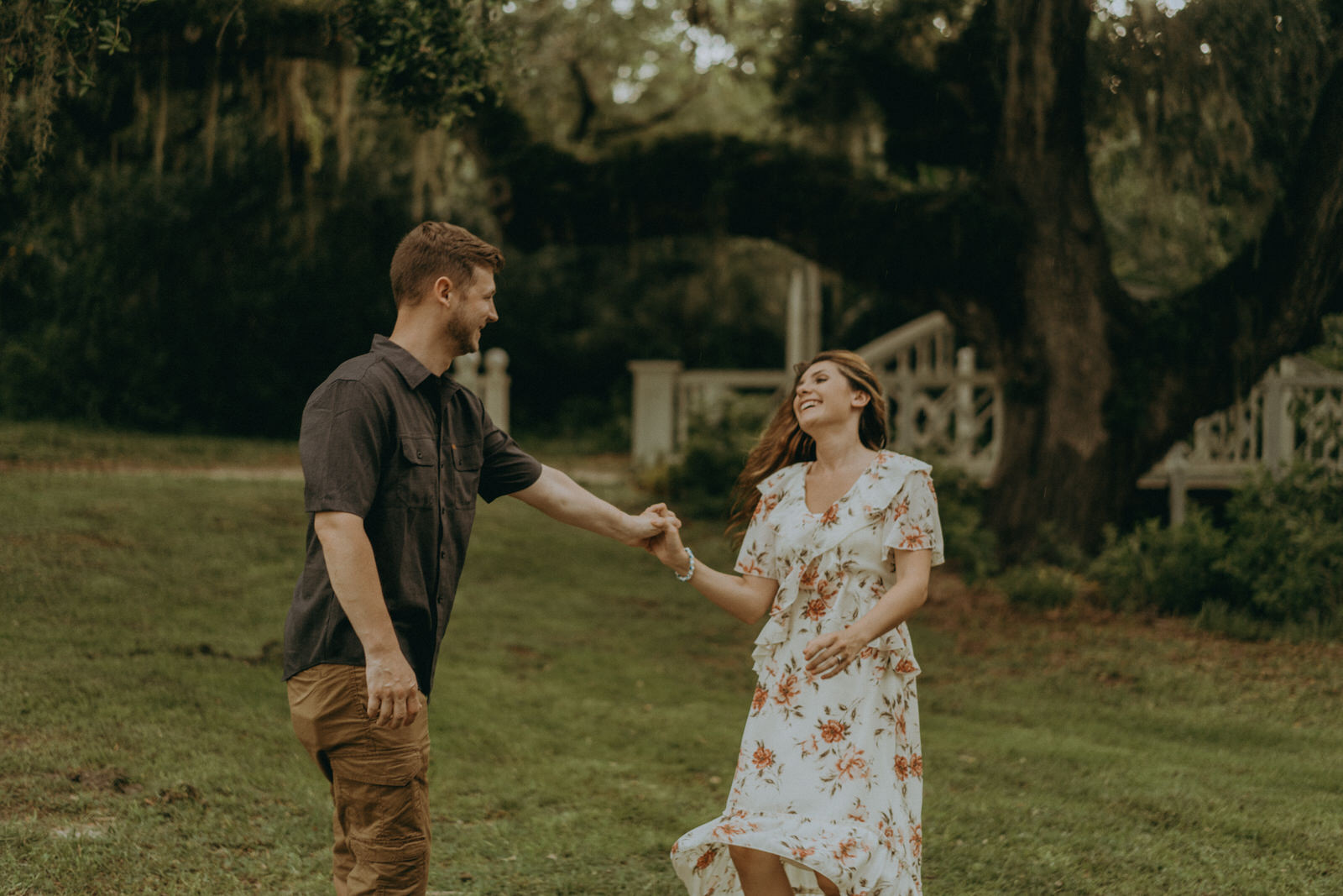 Florida Wedding Photographer-Michelle Gonzalez Photography-Koreshan State Historic Site-Rhiannon and Chris-151.jpg