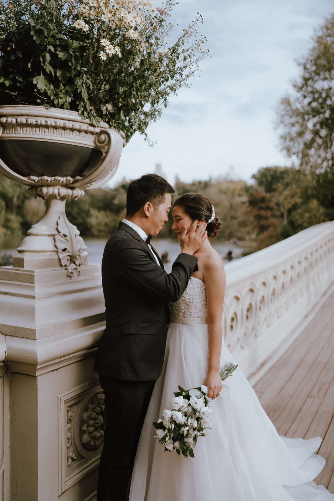 Central Park Elopement Photos-Bow Bridge-Michelle Gonzalez Photography- New York Wedding Photographer-9.jpg