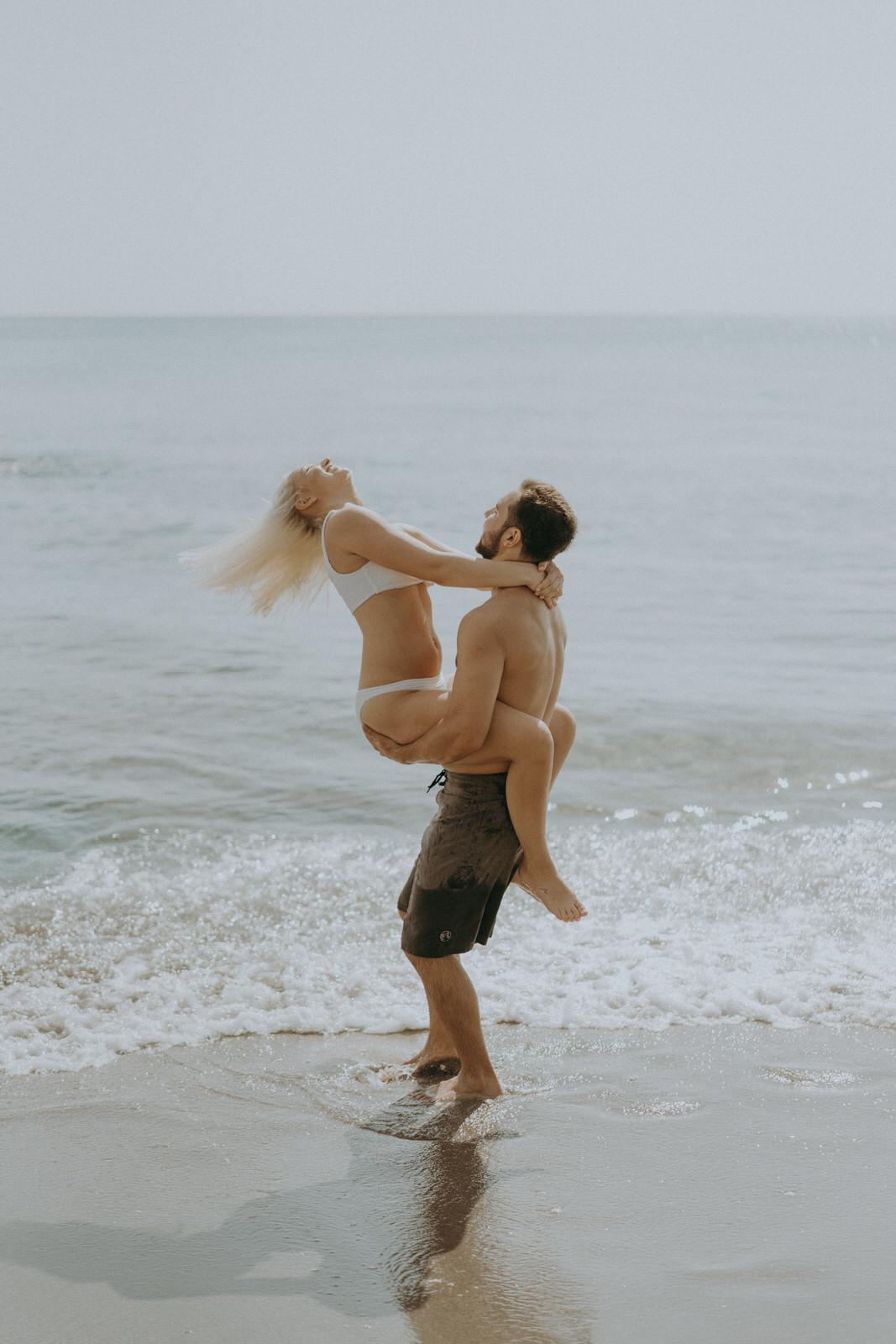 Jupiter Wedding Photographer-Blowing Rocks Preserve Couple photos-Tessa-202.JPG