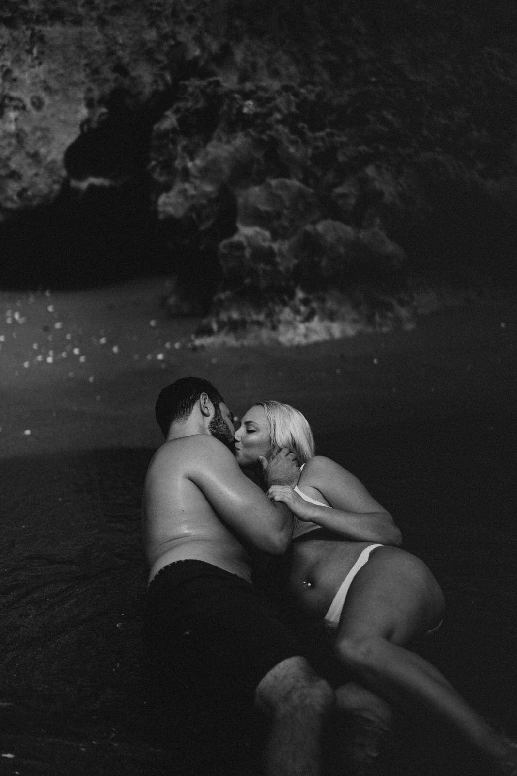 Jupiter Wedding Photographer-Blowing Rocks Preserve Couple photos-Tessa-390.JPG