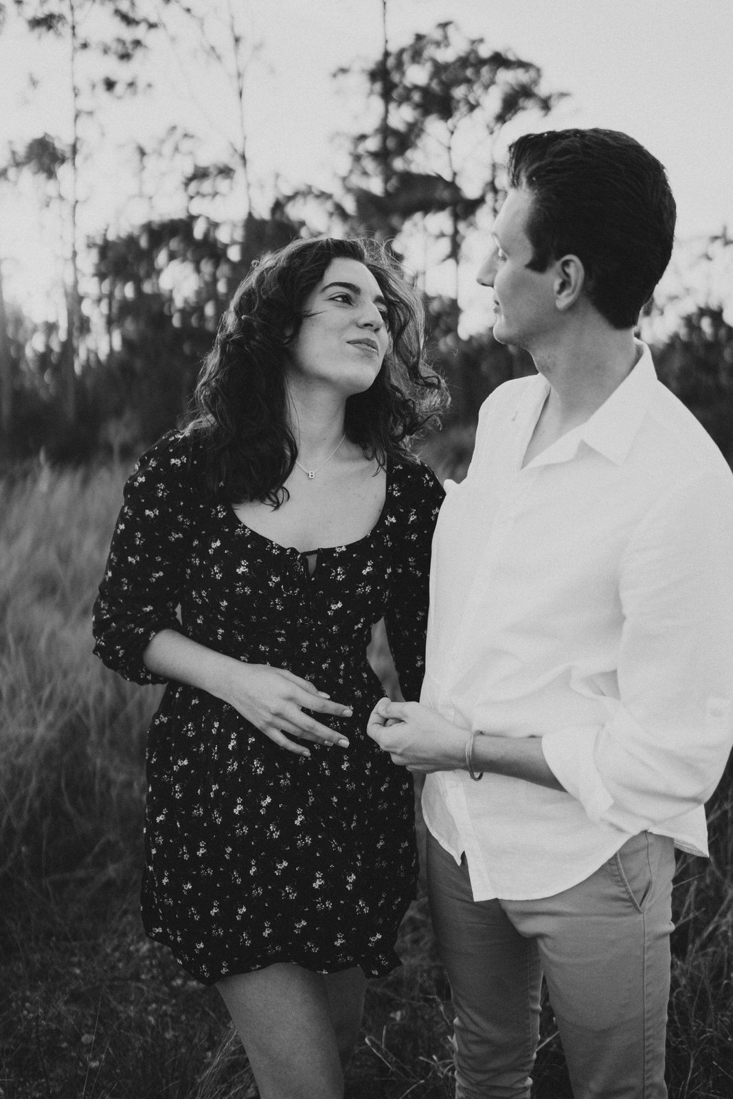 Couple Photos on a Field- Fort Myers Florida- Michelle Gonzalez Photography- Bruna and Brendan-50.JPG