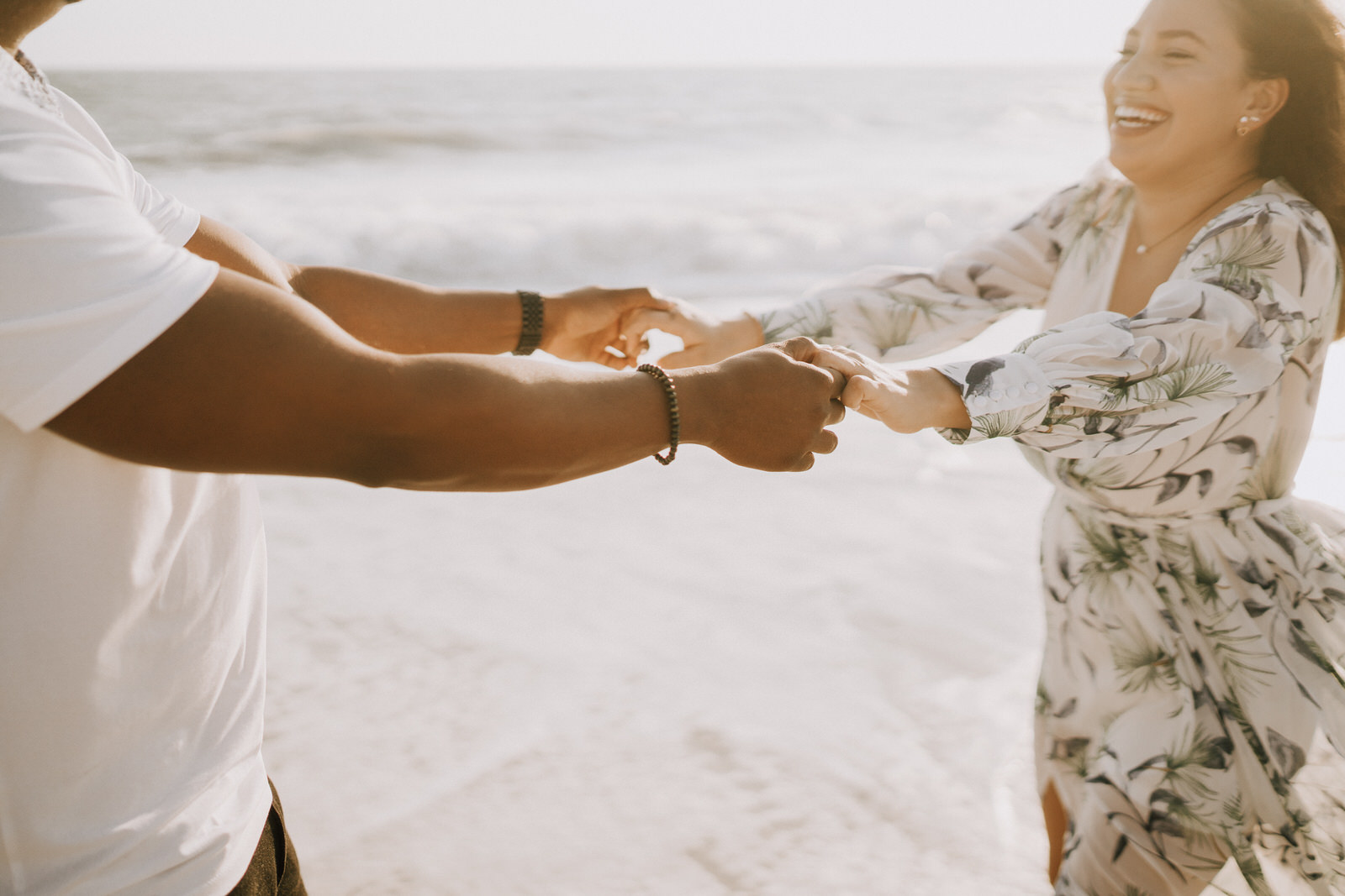 Fort Myers Beach Couples Session- Michelle Gonzalez Photography- Stephanie and Joaquim-15.JPG