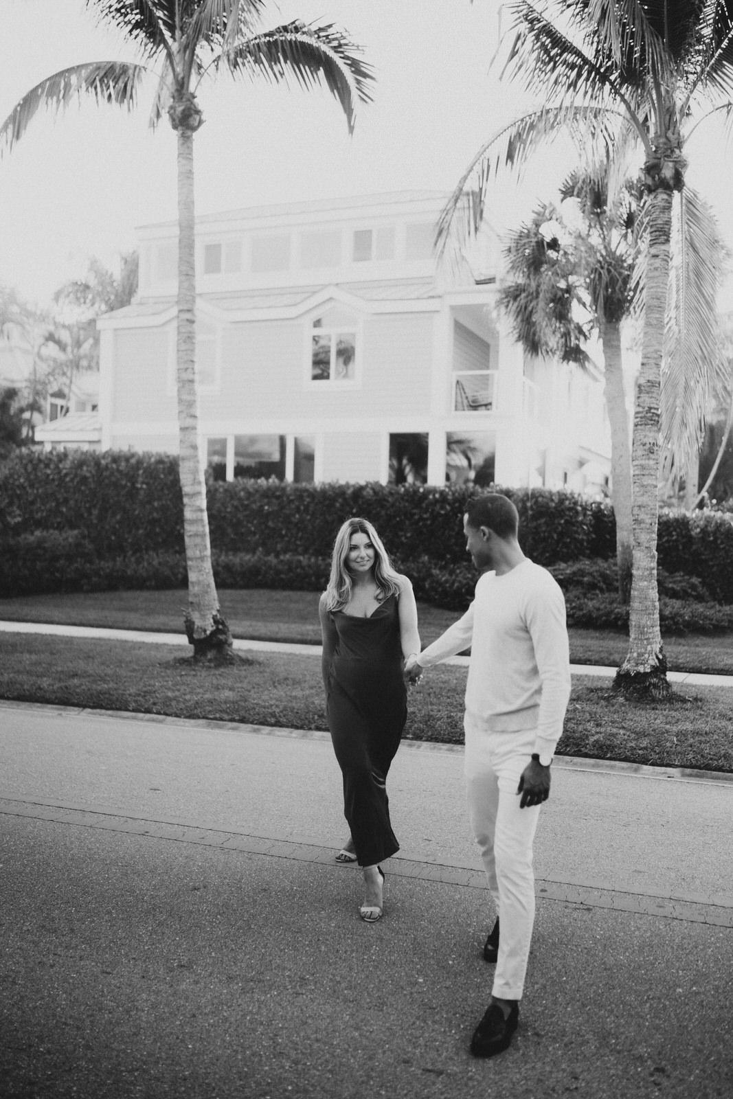 Naples 5th Ave Engagement Photos- Michelle Gonzalez Photography- Michele + Troy-240.JPG