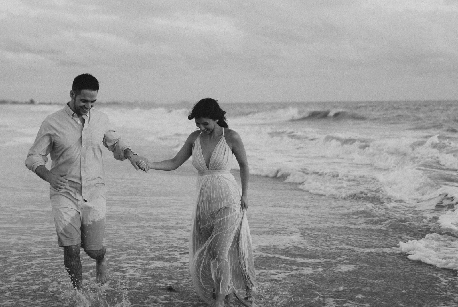 Fort Myers Beach Engagement Session- Michelle Gonzalez Photography- Danielle and Eric-193.JPG