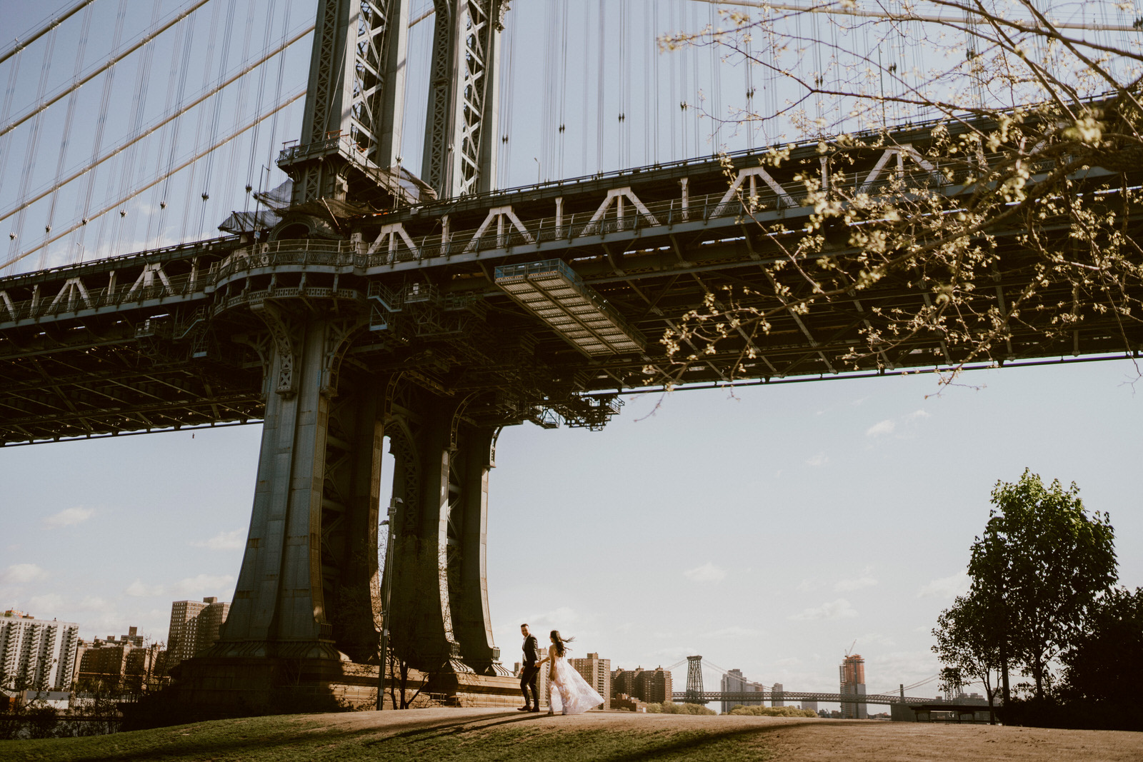 Dumbo Brooklyn New York Engagement Photos- Michelle Gonzalez Photography - Jessica and Alex-33.jpg