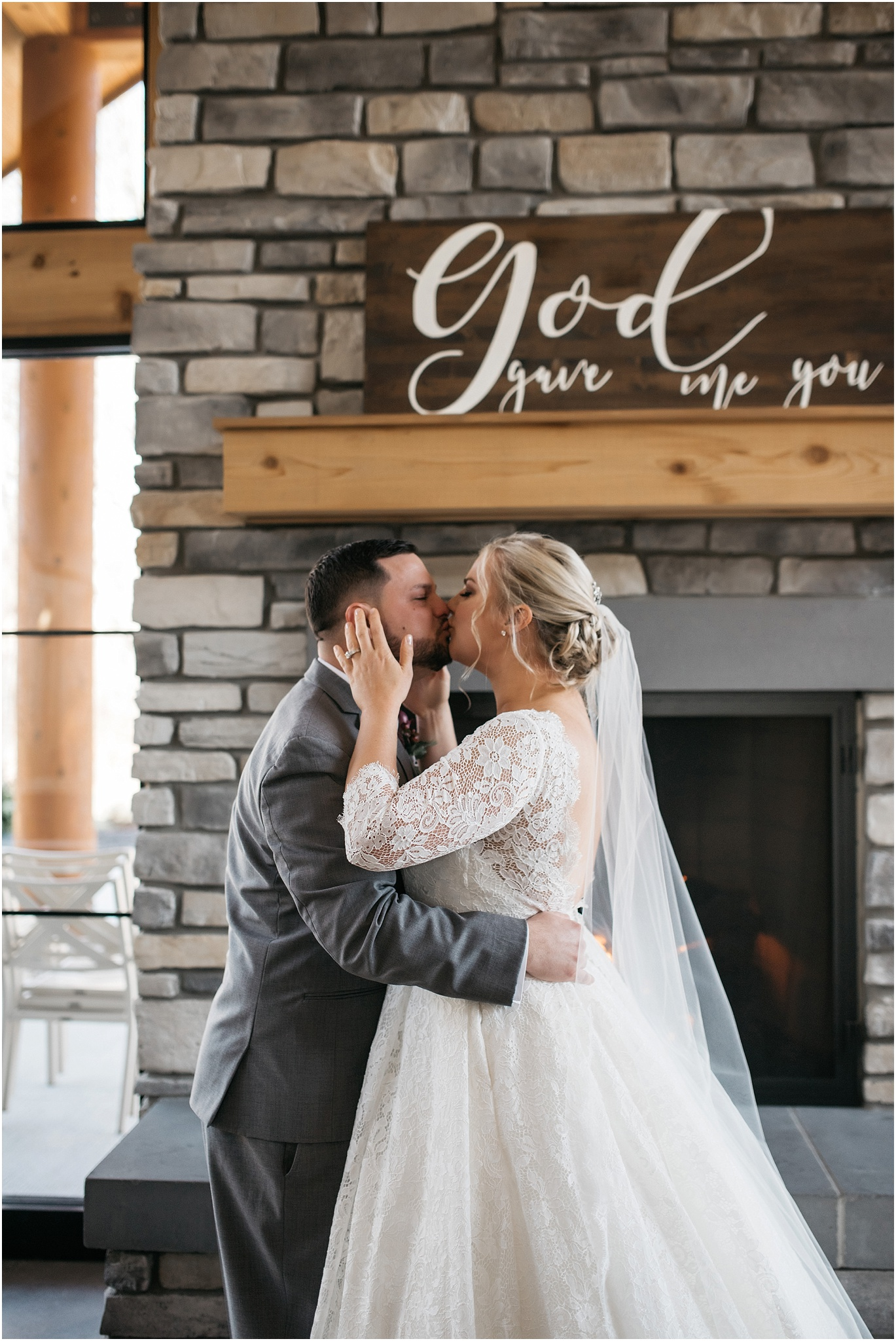 Indianapolis-Wedding-Photographer_0691.jpg