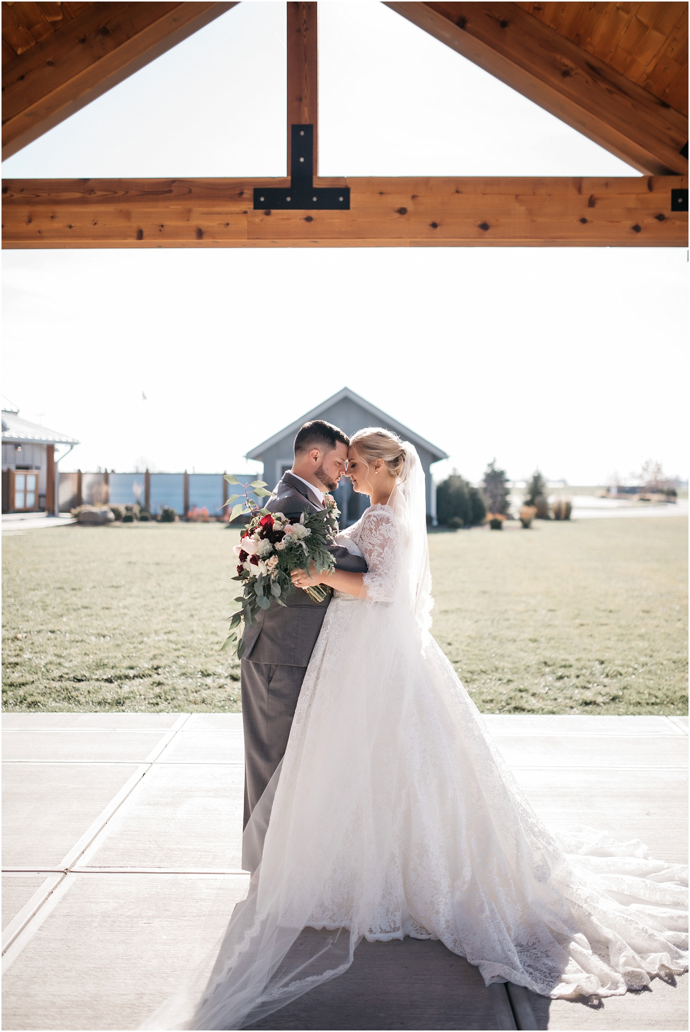 Indianapolis-Wedding-Photographer_0698.jpg