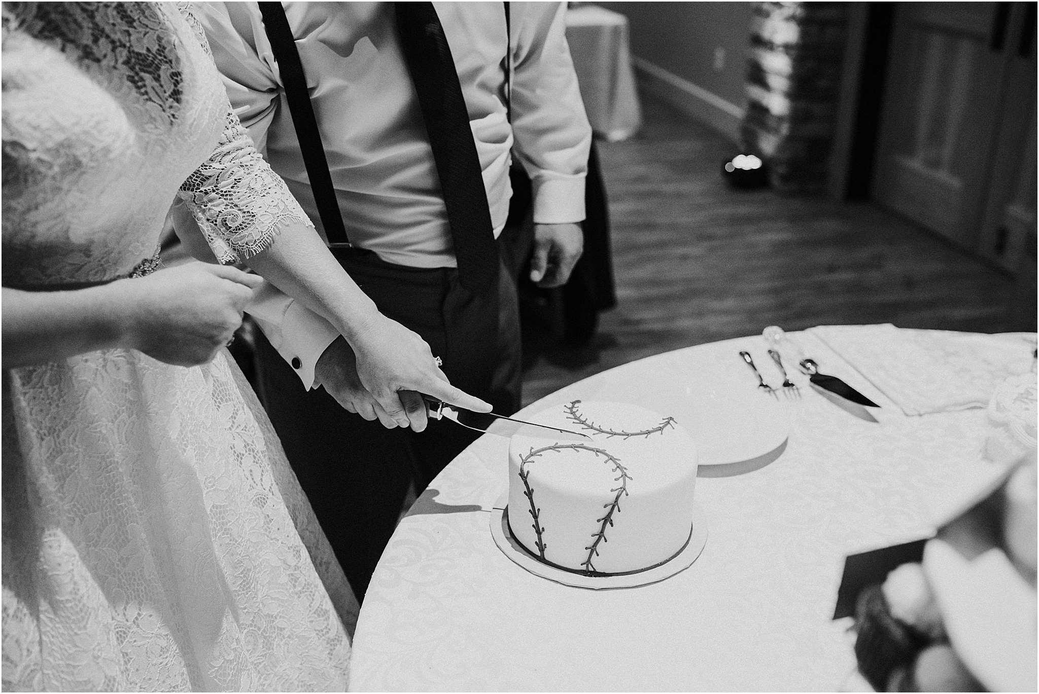 Indianapolis-Wedding-Photographer_0727.jpg
