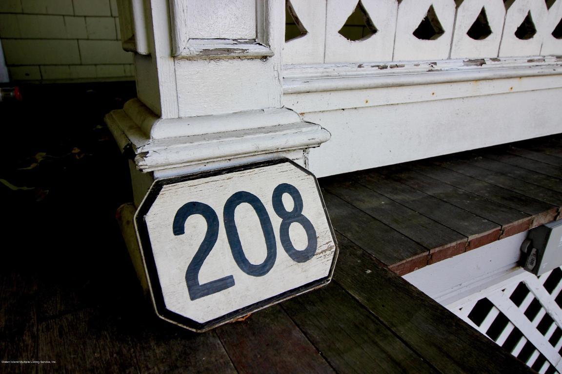 208 2.jpg