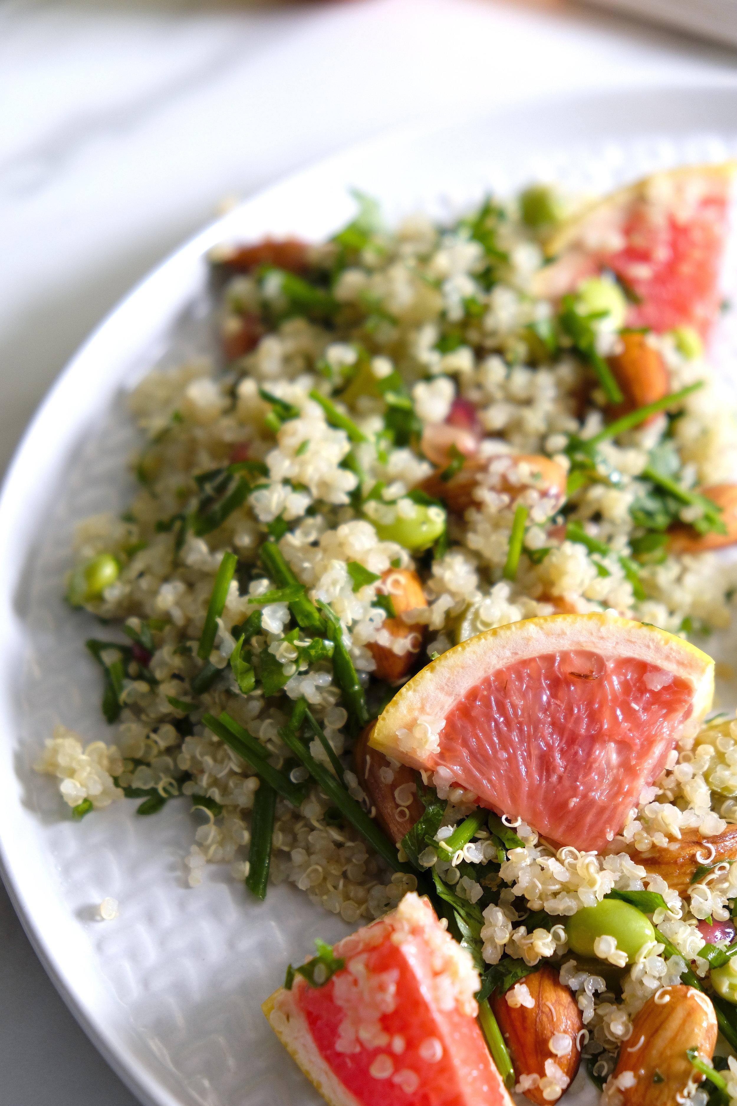Quinoa cu migdale hidratata_The Nature Project.JPG