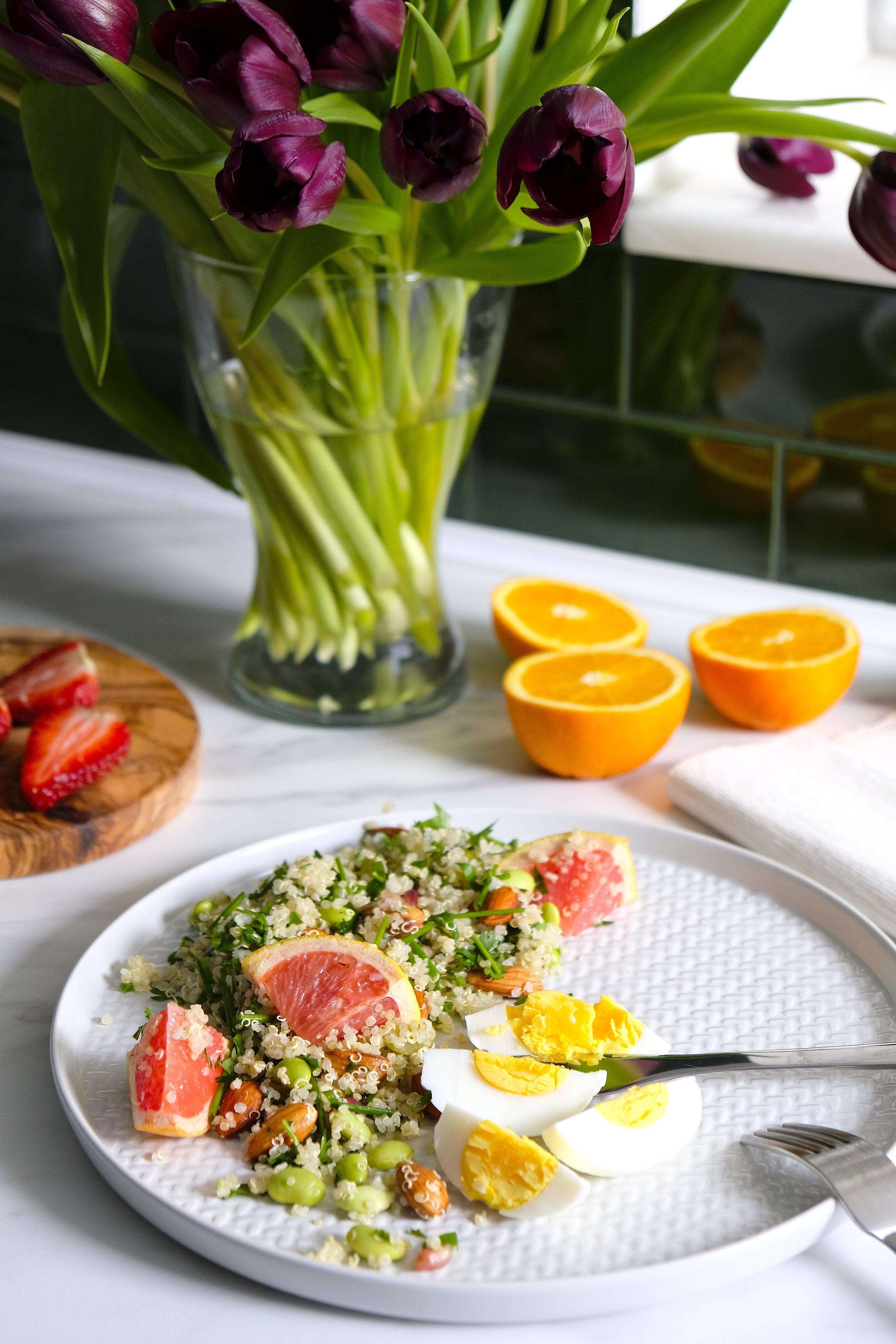 Quinoa cu edamame_salata calda fresh sanatos_The nature Project.JPG
