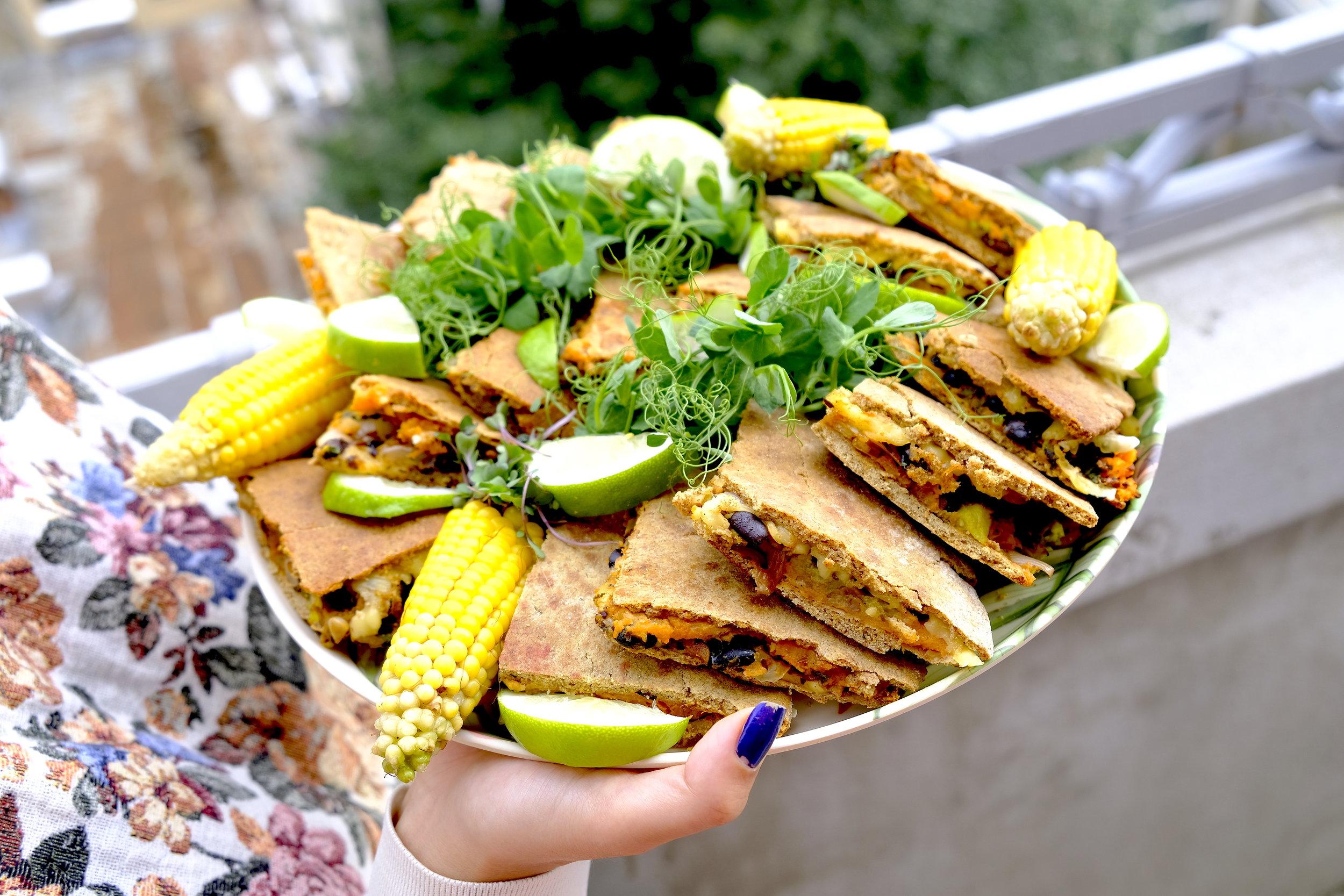 Quesadillas vegetariana microplante porumb_Dinner Stories.JPG