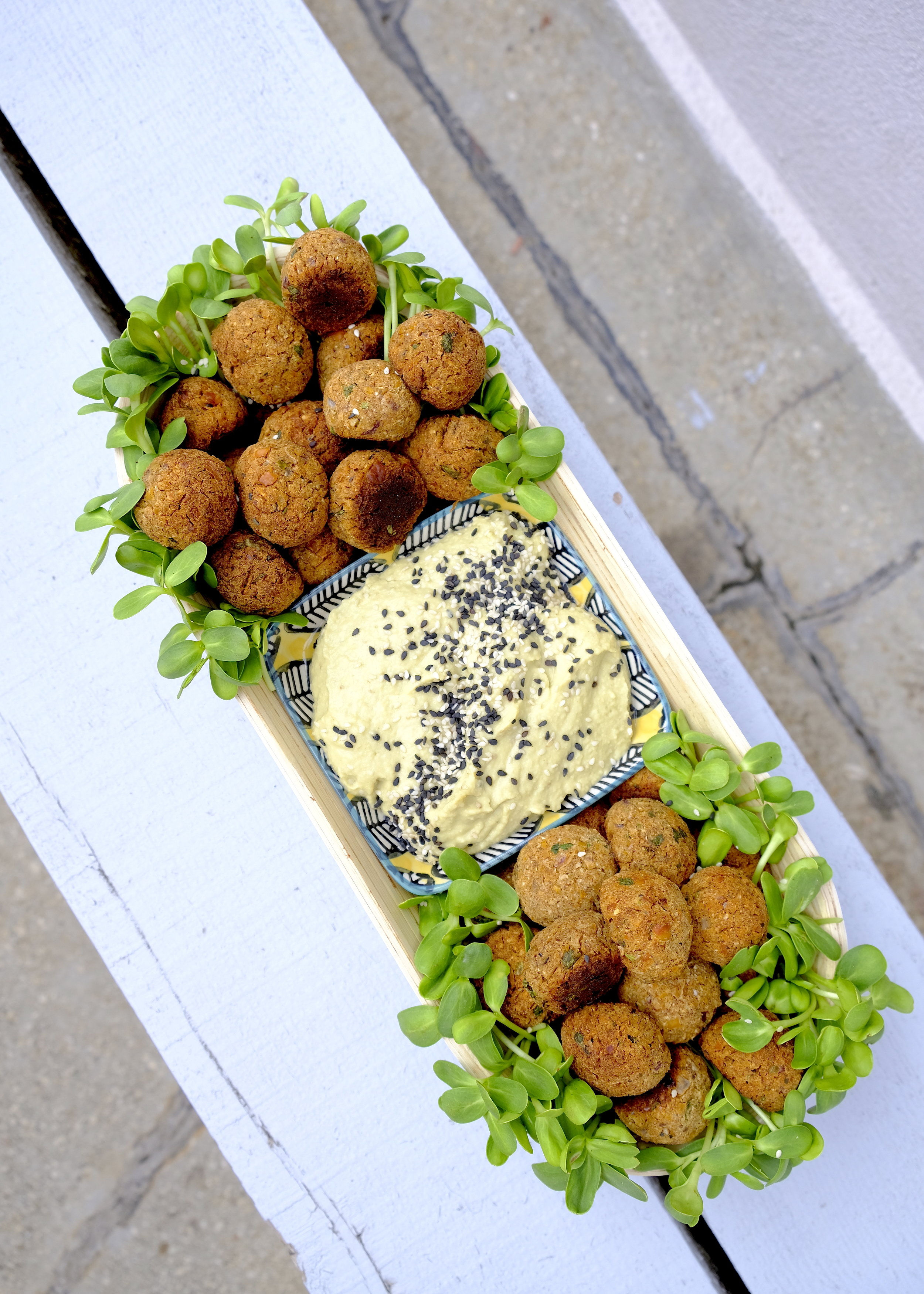 Falafel hummus microplante_The Nature Project.JPG