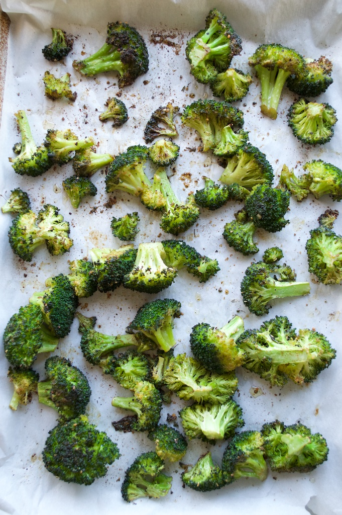 Paleo-Burnt-Broccoli-with-Spicy-Aioli.jpg