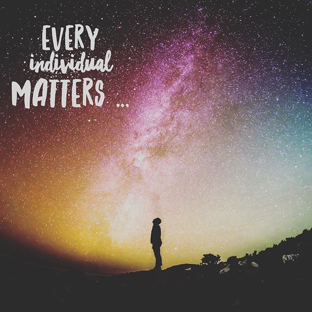 Every individual matters. Every individual has a role to play. Every individual makes a difference. ~ Jane Goodall ⭐️ On #internationalwomensday who inspires you? ⭐️ Jane Goodall was a huge inspiration to me when at uni and continues to be so now, I was first introduced to her achievements when studying anthropology, but her huge determination in wanting to travel to Africa to study chimpanzees despite the British authorities insistence that a young woman couldn't go on her own, is only one of the reasons why she is an inspiration. #beanispiration #whoinspiresyou #makeadifference #janegoodall