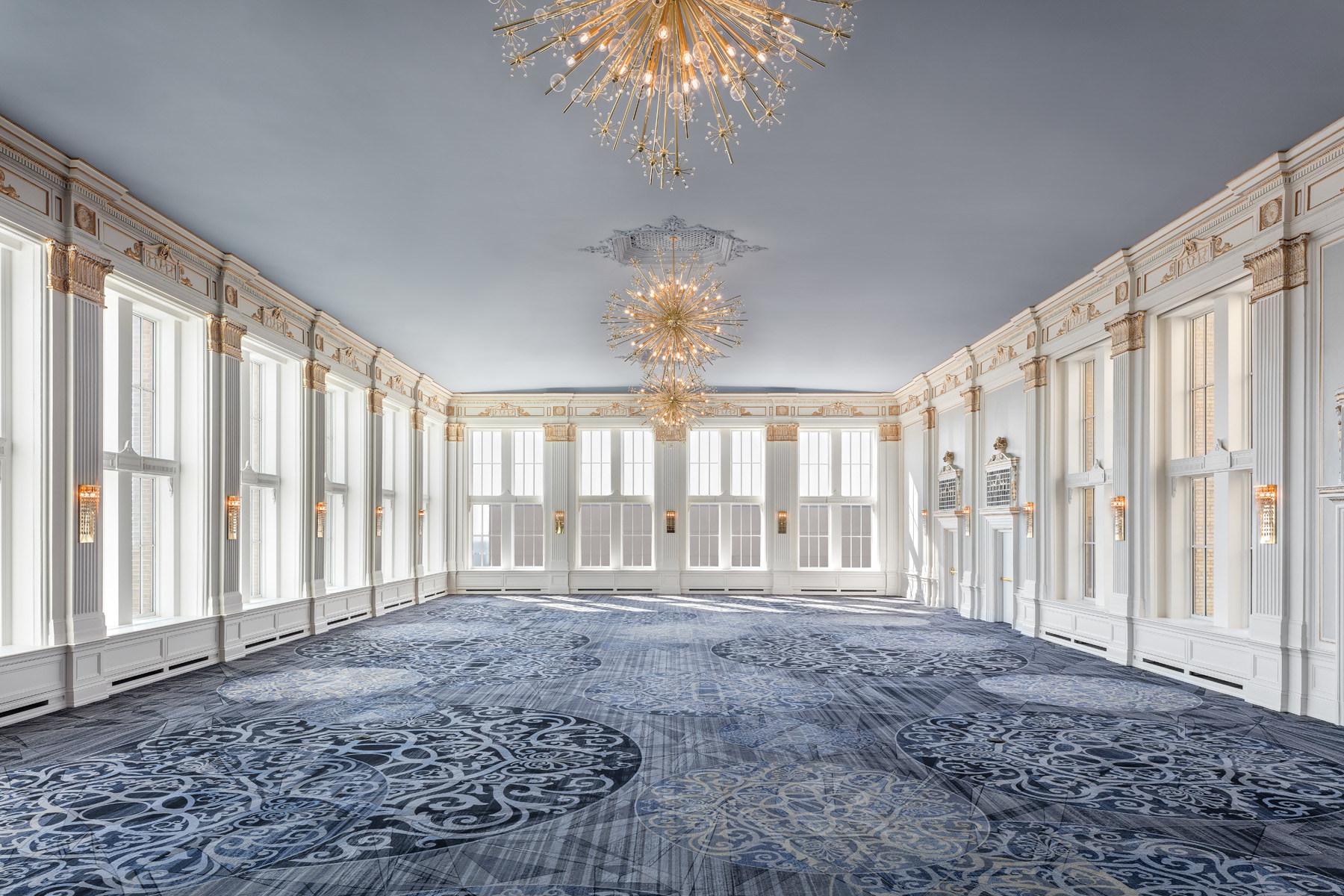 Omni_King_Edward_Hotel_The_Omni_King_Edward_Hotel_s_Crystal_Ball.jpg