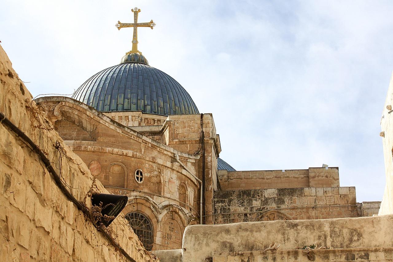 PIXABAY.COM/EN/BASILICA-OF-THE-HOLY-SEPULCHRE-2070814/