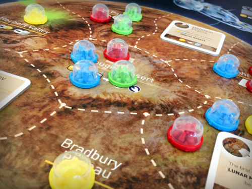 Race other colonists to gain control of the planet's various territories