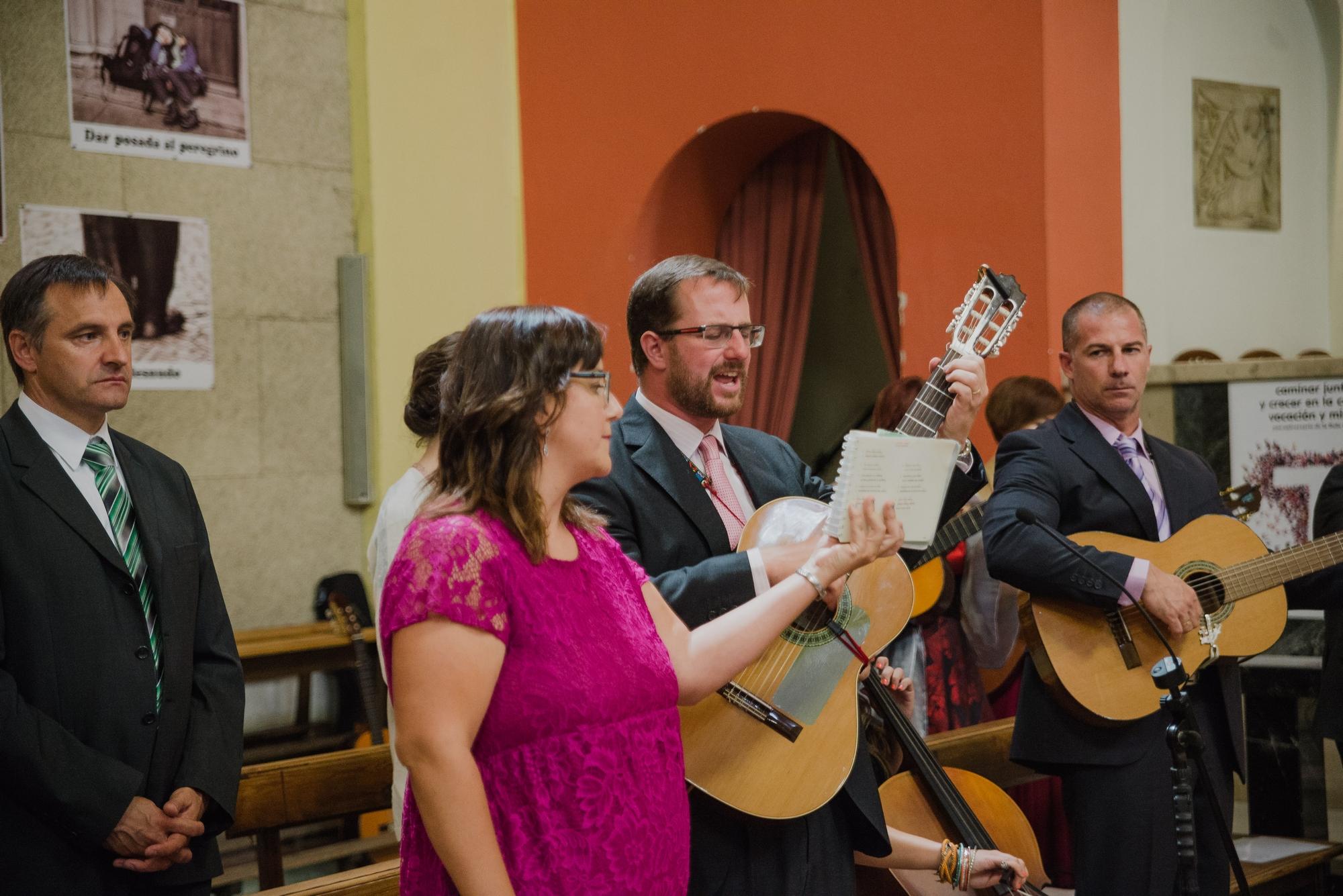 coro guitarra iglesia valvanera boda logroño trizyjuan