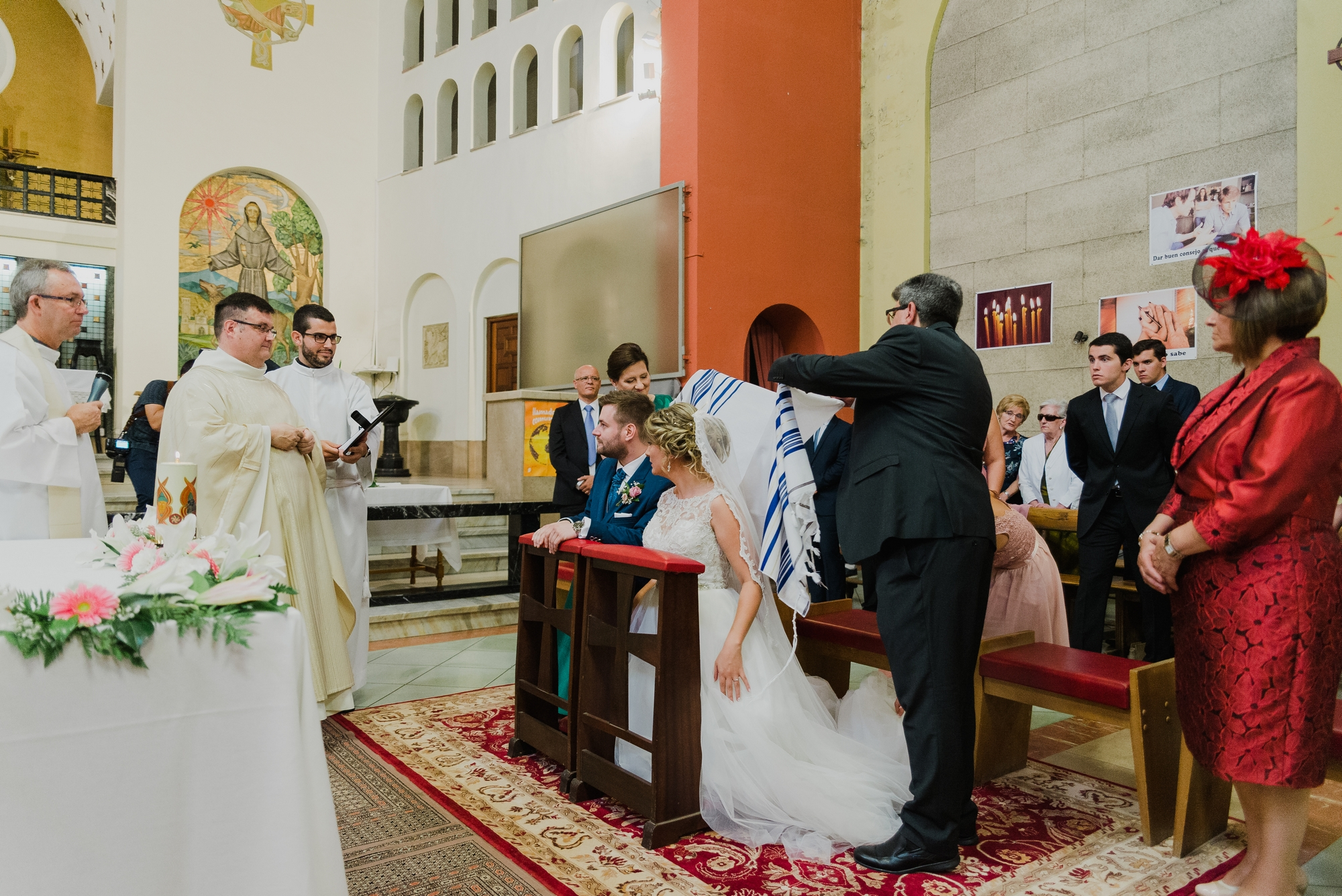 novios guitarra iglesia valvanera boda logroño trizyjuan
