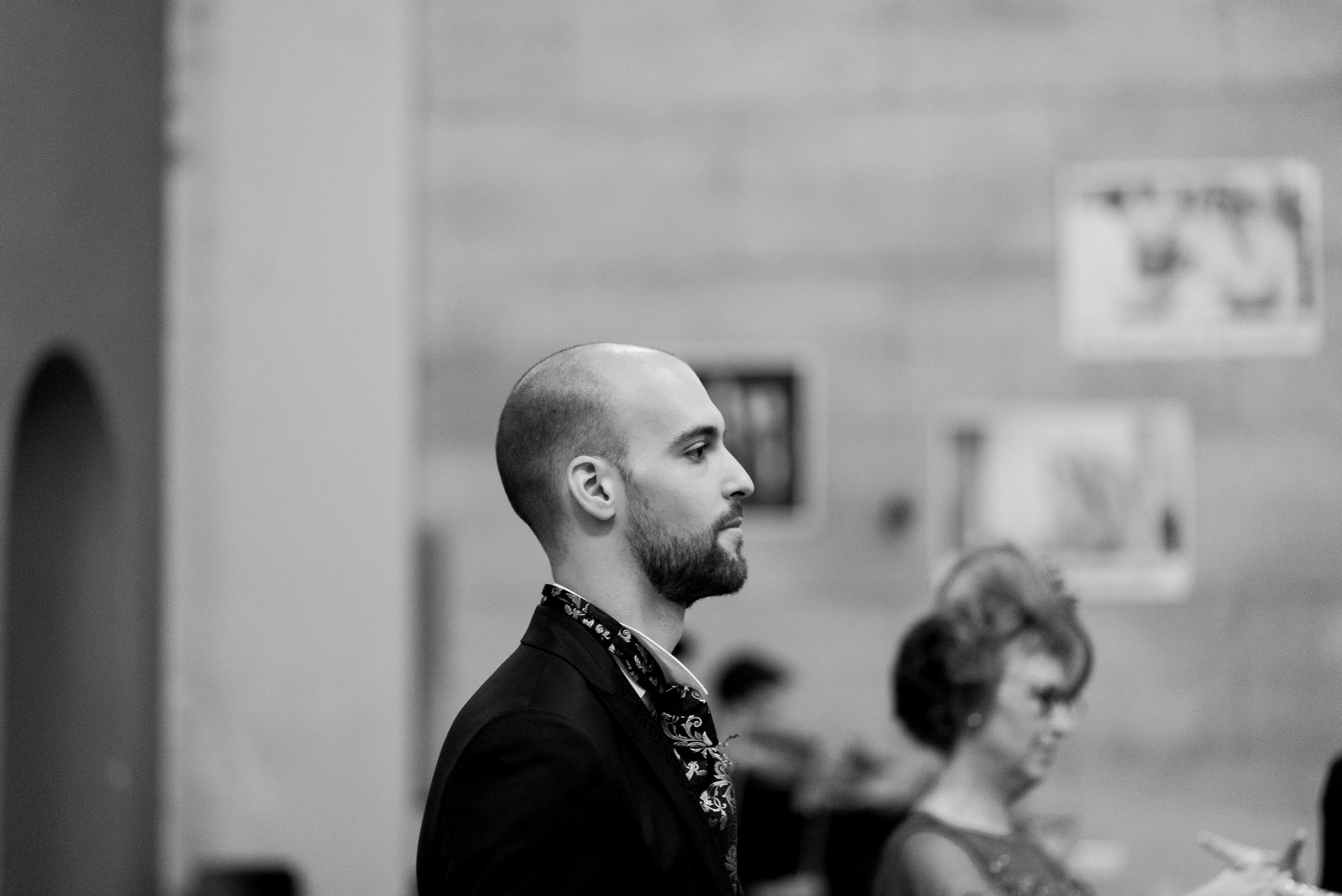 novio boda iglesia valvanera logroño fotógrafos