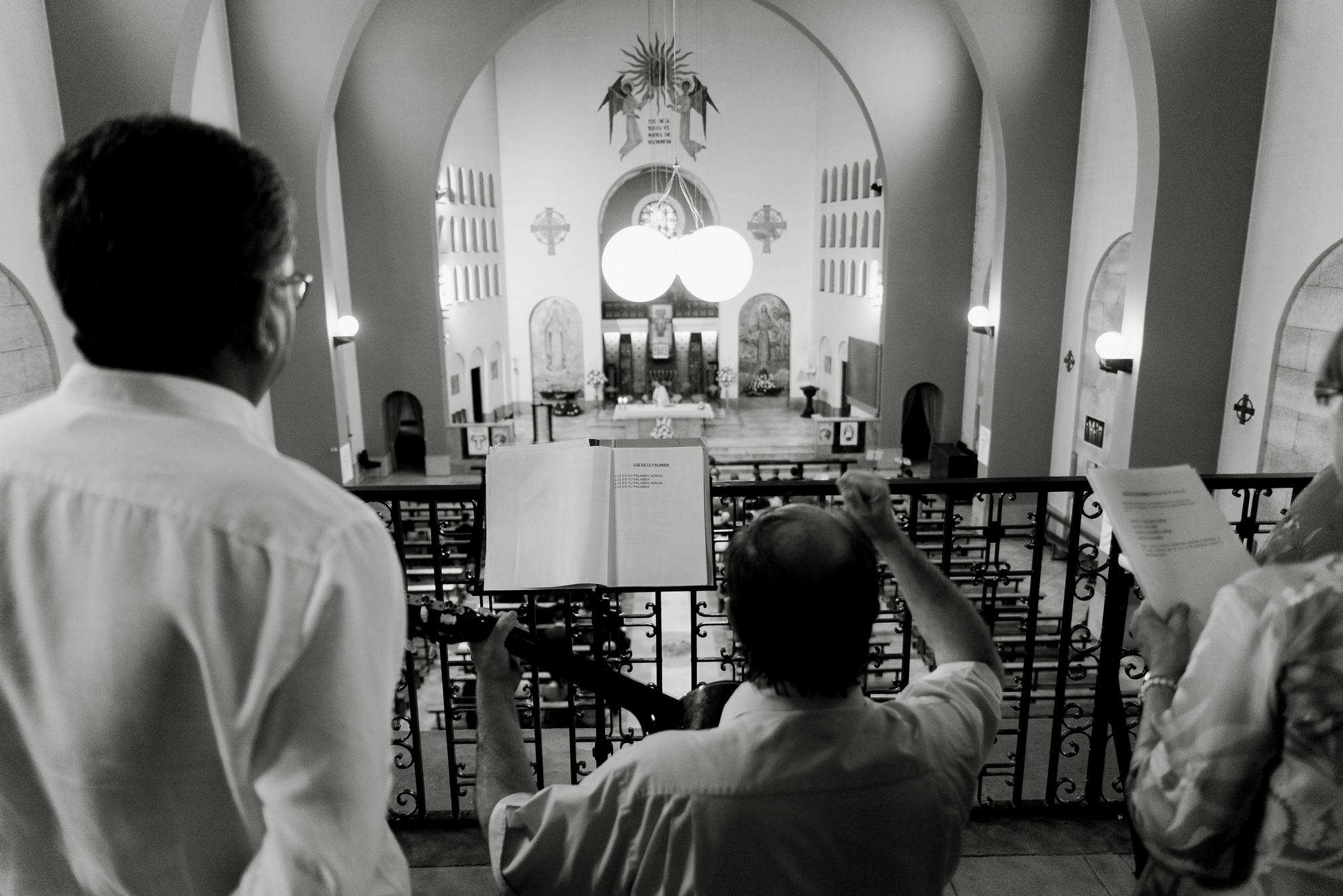 coro boda iglesia valvanera logroño fotógrafos