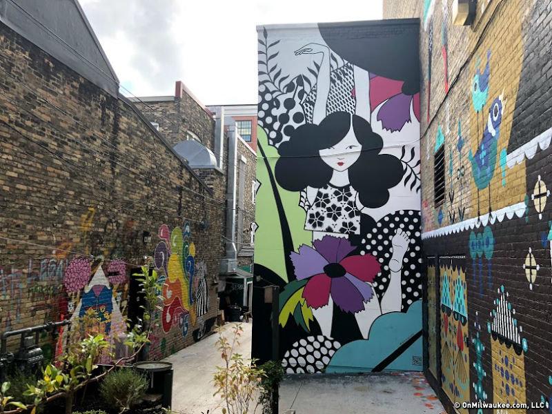 six-black-cat-alley-new-murals_fullsize_story1.jpg