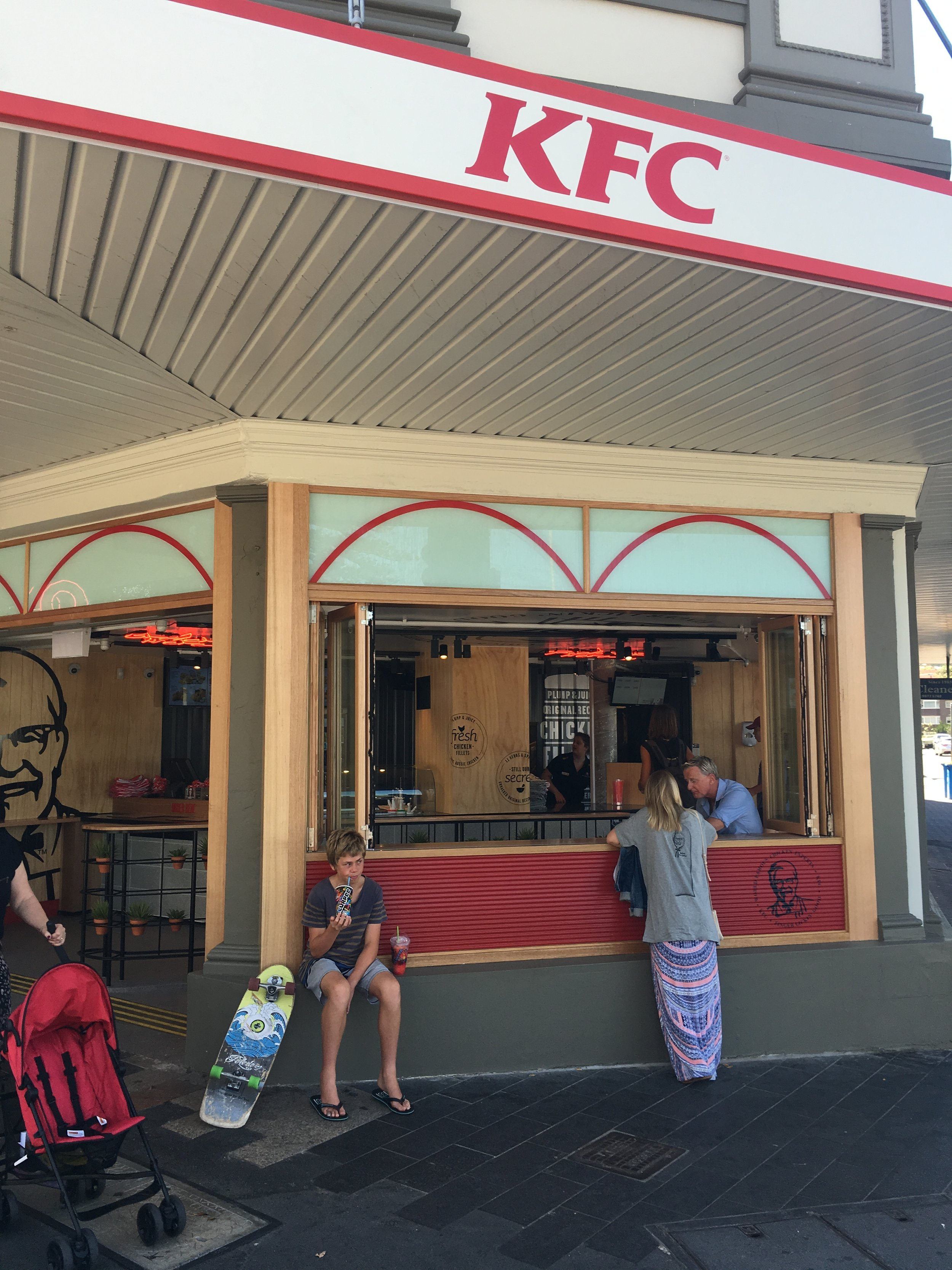 The Great Indoors_Food retail design_KFC Urban Manly 6.jpg