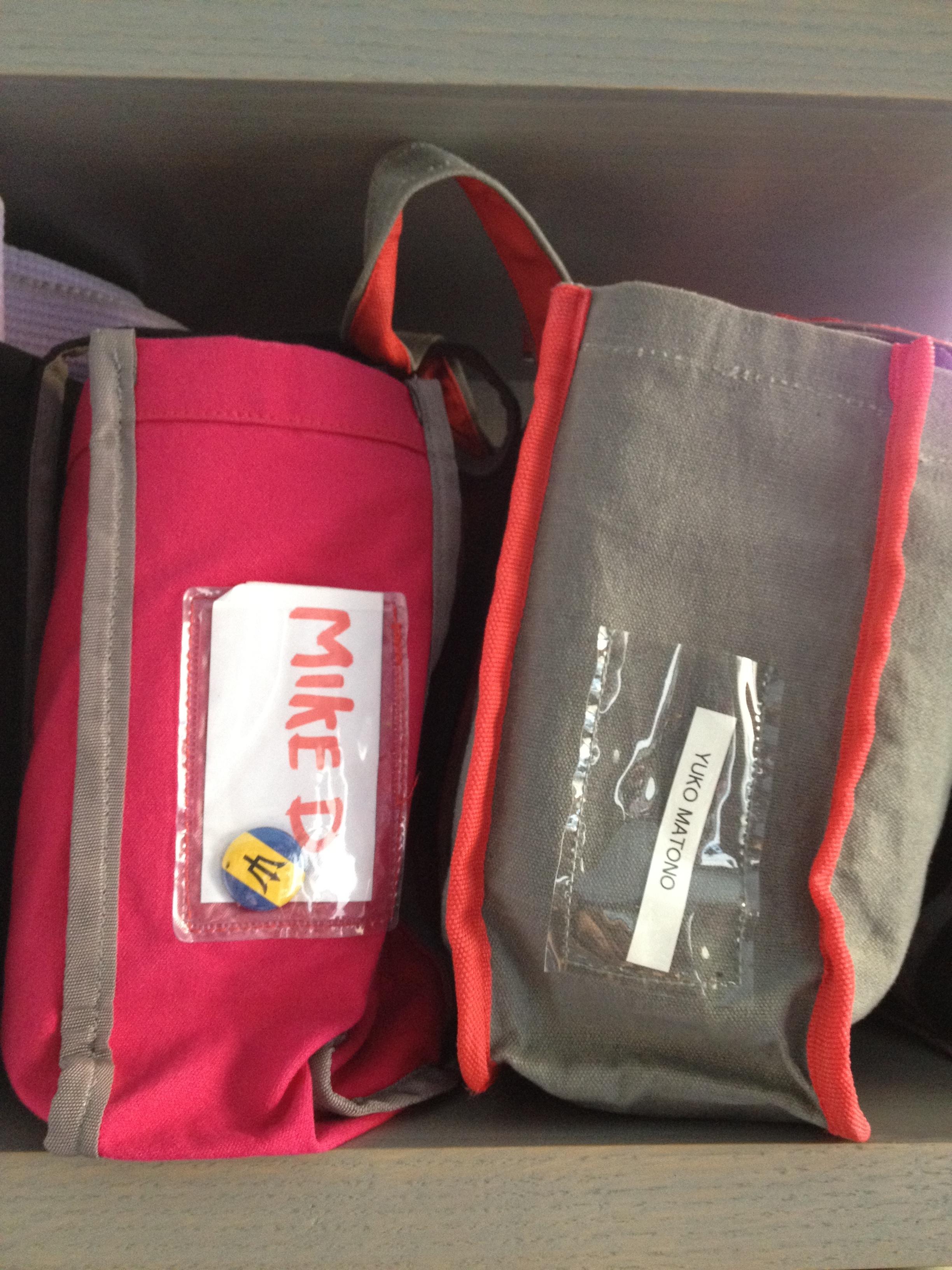 ビースティーボーイズのMike Dもエディの生徒。マットバッグが隣なのがうれしくて激写。