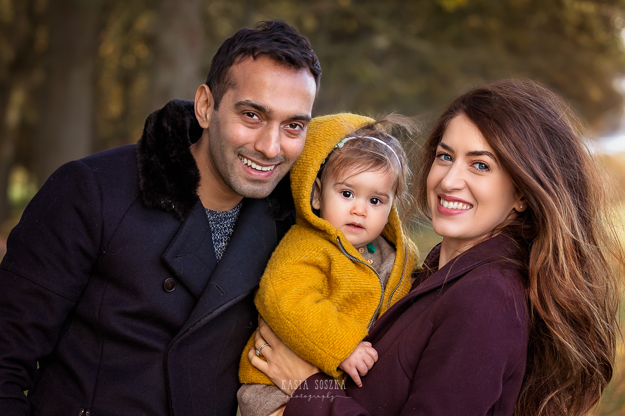 Family photography Leeds, York, Harrogate, Bradford: autumn family outdoor session in a park in Leeds, Yorkshire.