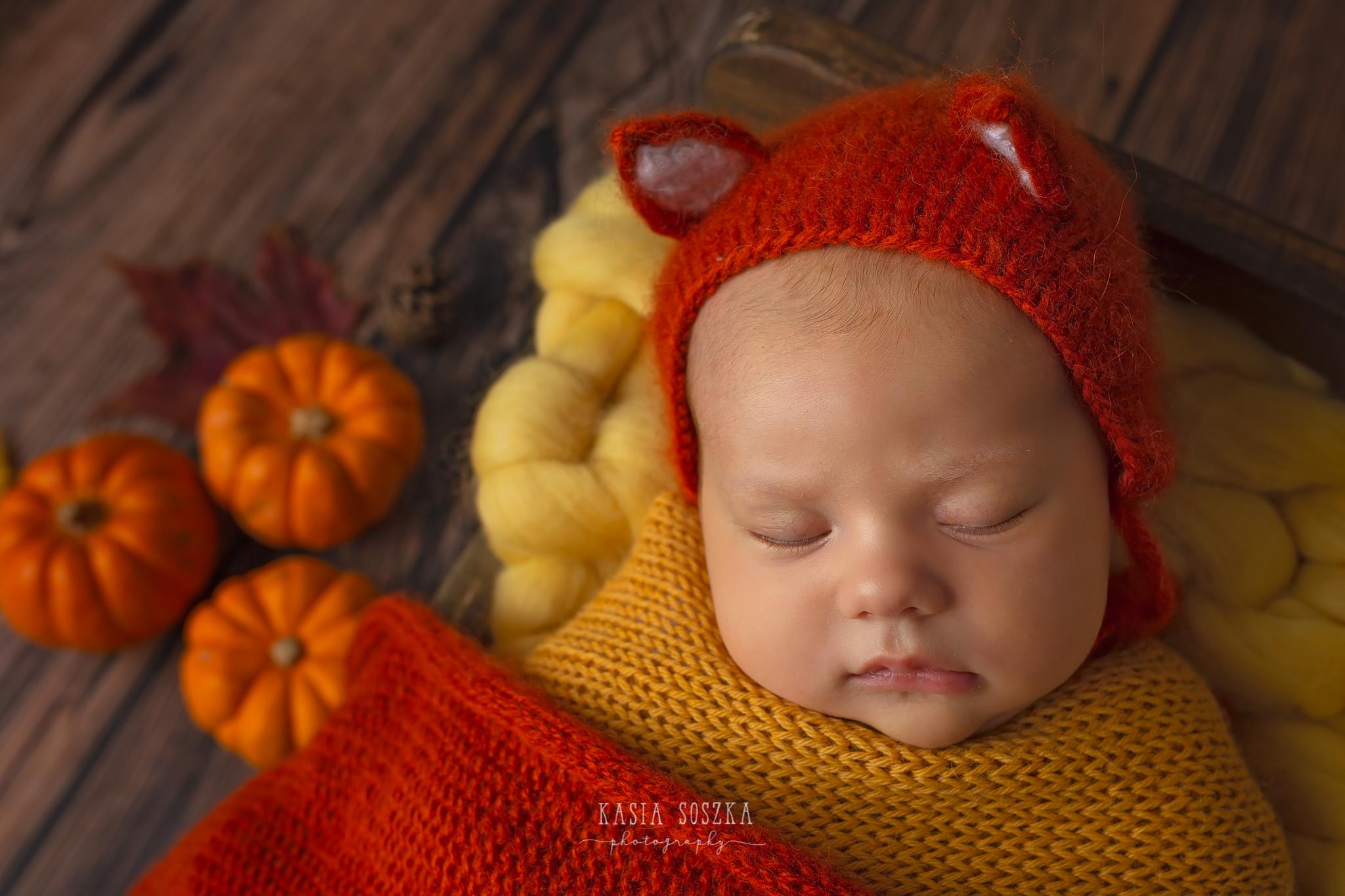 Newborn photography Leeds-York-Bradford-Harrogate: autumn themed newborn session in Leeds, Yorkshire. Cute newborn baby girl in fox outfit
