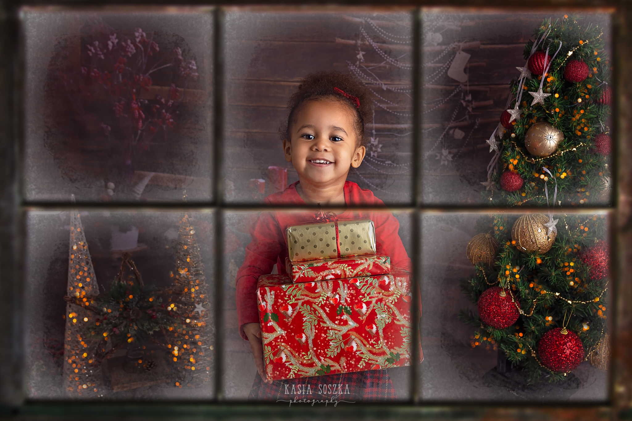 Child photographer Leeds, York, Bradford, Harrogate. Christmas Mini Sessions 2018 Leeds: cute little girl with Christmas presents