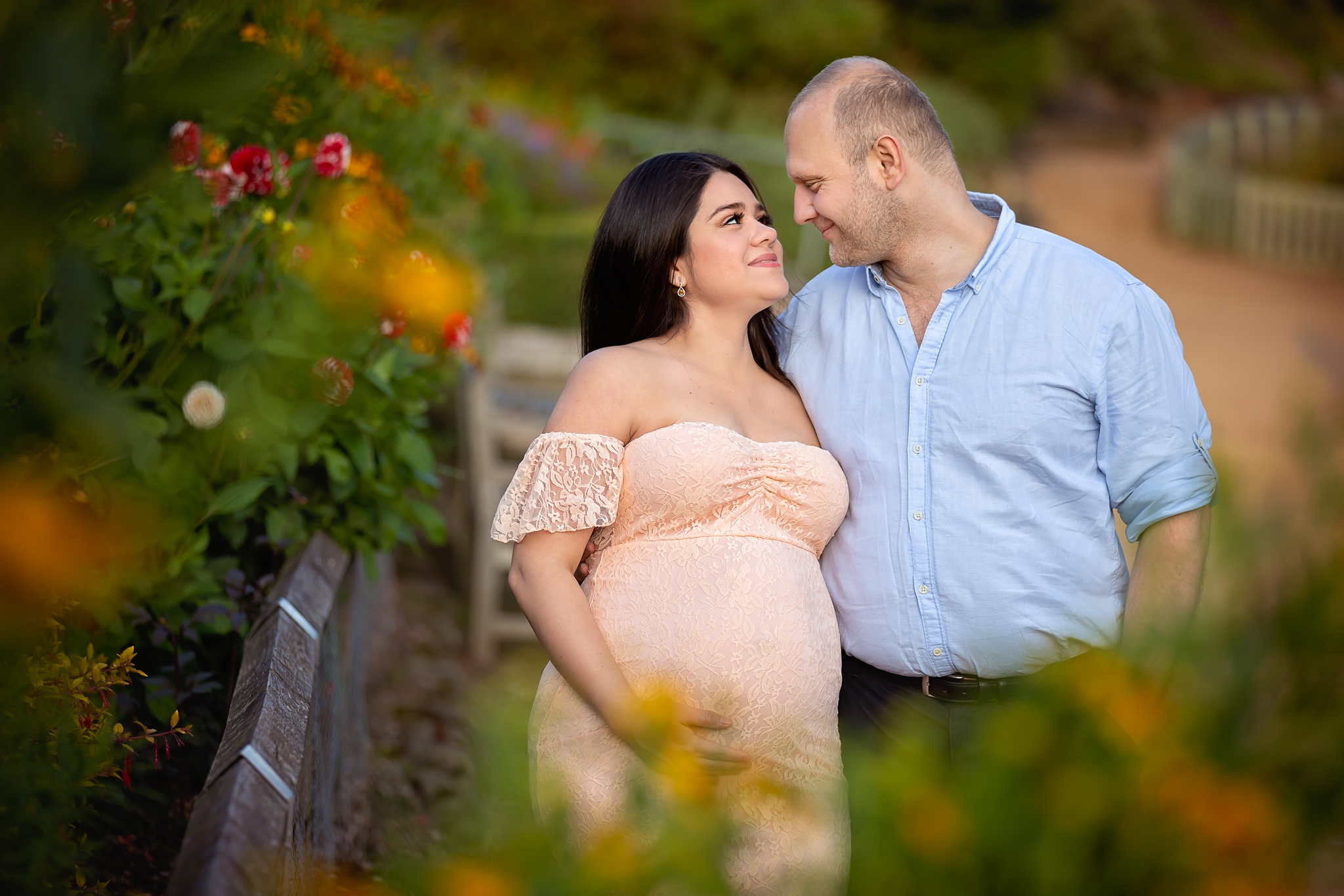 Summer maternity photography Leeds, Bradford, York, Harrogate, Wakefield: beautiful expecting couple posing for their maternity portrait in Leeds, West Yorkshire.