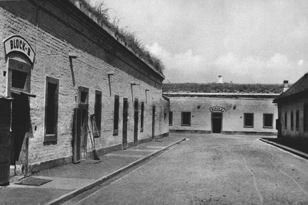Das Ghetto Theresienstadt wird 1941 errichtet (Quelle:  http://m.bpb.de/politik/hintergrund-aktuell/237972/ghetto-theresienstadt-wird-errichtet )