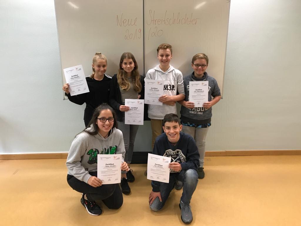 Shaia Hellenthal, Emily Wust, Lukas Schwanda, Leon Blechschmidt, Ceren und Can Ercetin (alle aus den Klassen 8a und 8c)