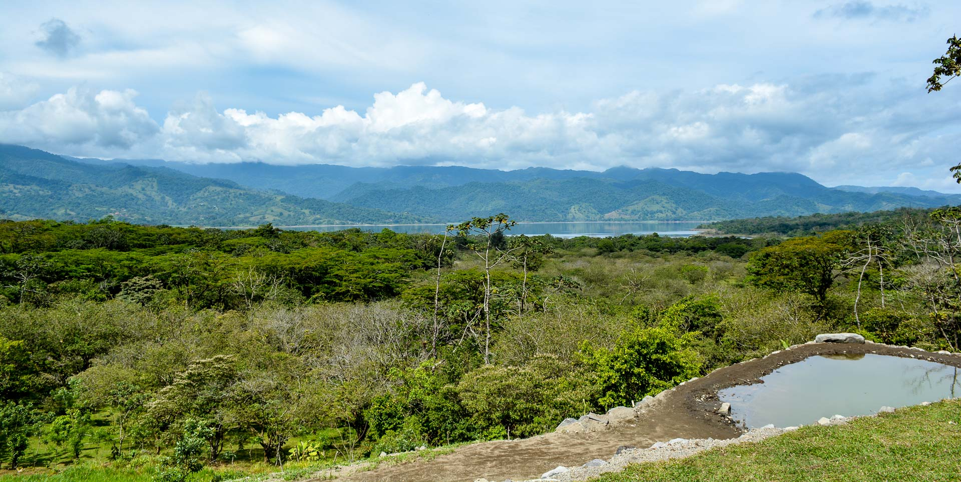 From the same viewpoint we could see the Arenal Lake