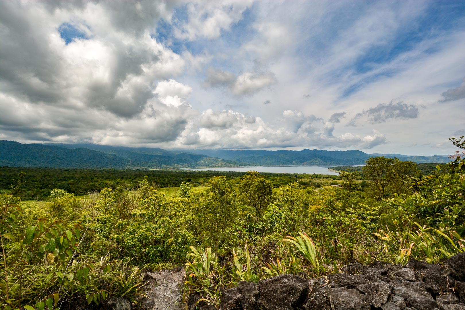 Another viewpoint of Lake Arenal