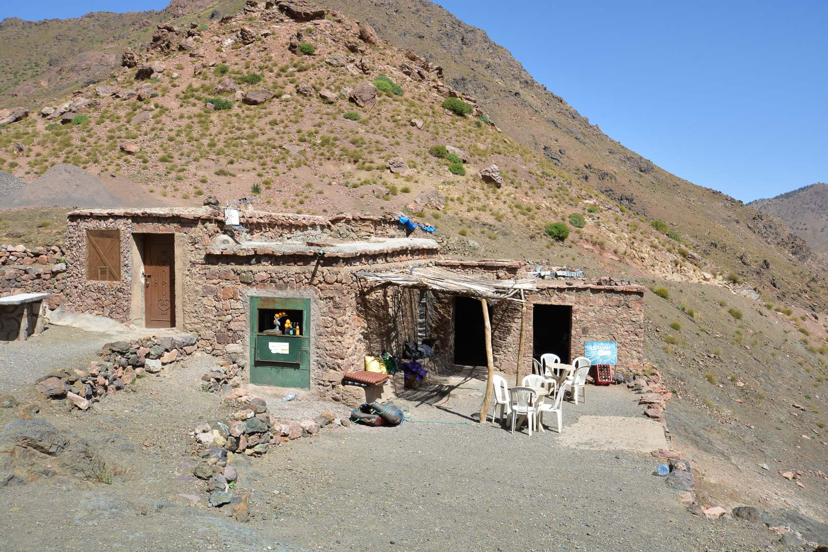The makeshift cafe at the mountain pass
