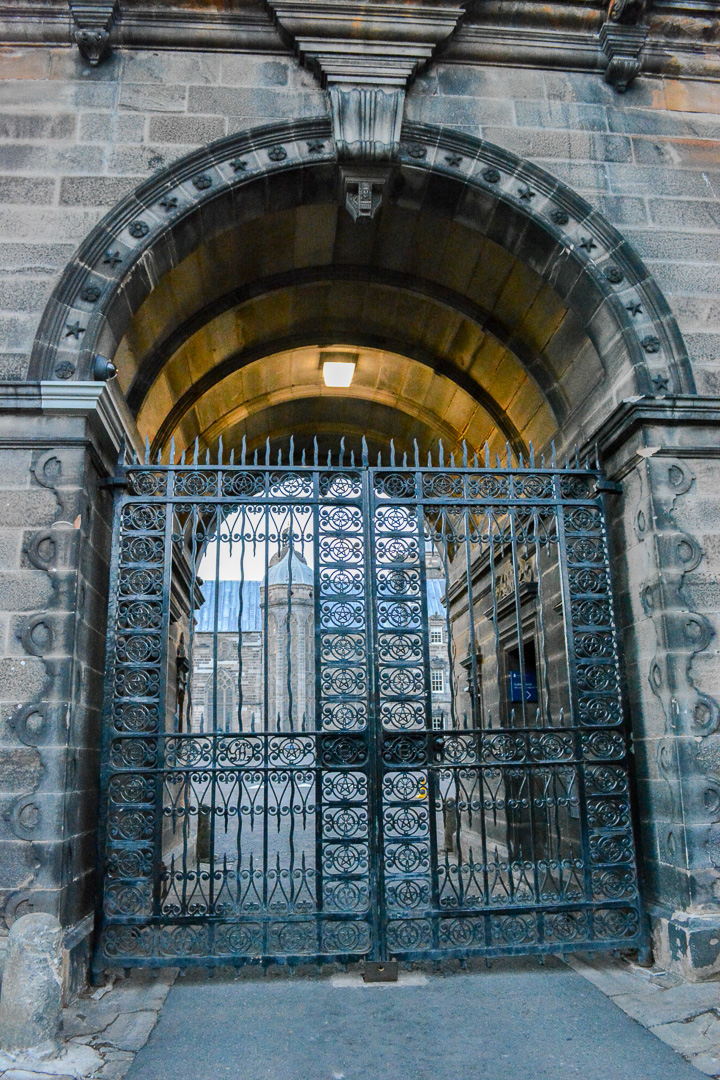 Gate into George Heriot's School, a boarding school that is said to inspire Hogwarts, especially since they also have 4 Houses the students are sorted into like Hogwarts