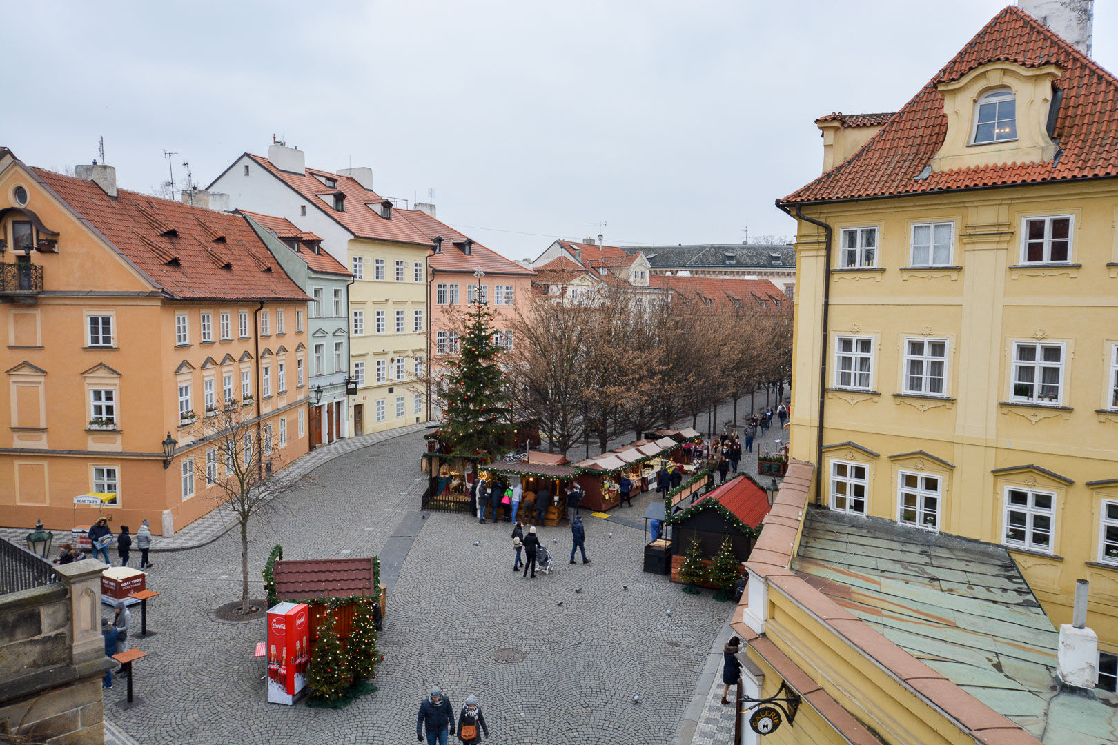 Spotted from the bridge…another Christmas Market!