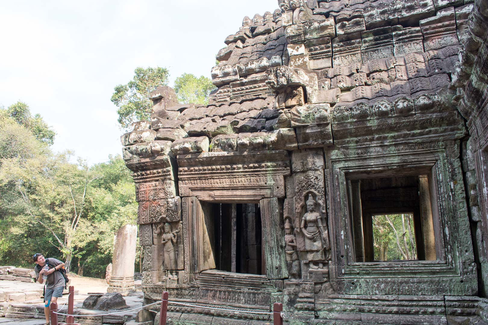 Banteay Kdei Please Don't Fall on Meee